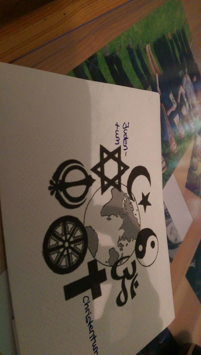 was bedeuten diese bekannten symbole religion wirtschaft welt. Black Bedroom Furniture Sets. Home Design Ideas