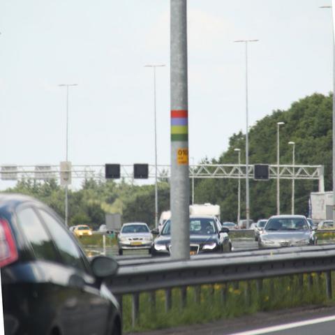 Autobahn mit Farbkringellaterne - (Farbe, Code, Autobahn)