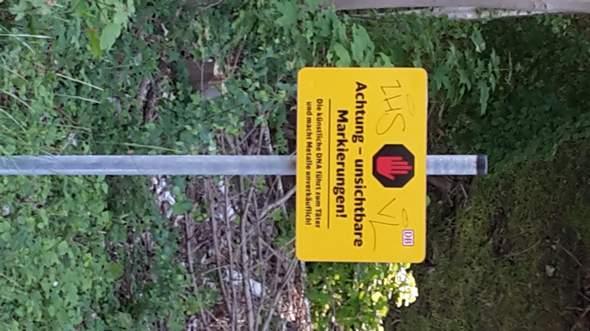 Was bedeutet dieses Warnzeichen der DB?