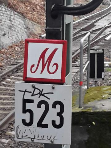 - (Bahn, Bahnhof, S-Bahn)