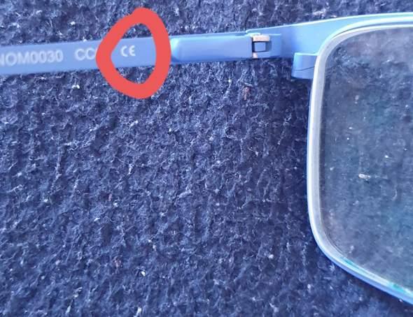 Was bedeutet dieses Zeichen auf meiner Brille?