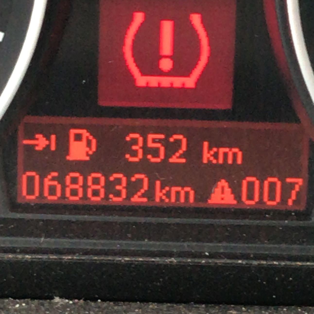 Was bedeutet dieses Zeichen beim BMW i116? (Auto, Fehler
