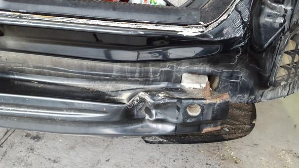 - (Versicherung, Unfall, Kostenvoranschlag)