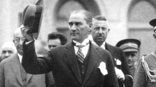 Was denken Deutsche über Mustafa Kemal Atatürk?