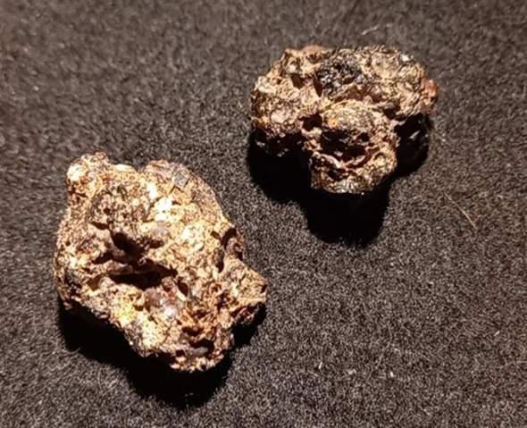 Was für ein Stein/Mineral ist das?