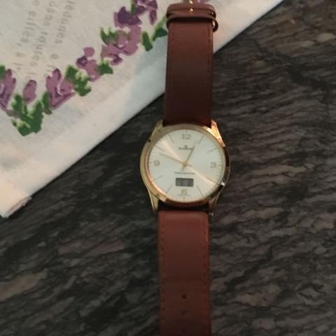Uhr ohne Verpackung  - (Geld, Uhr)