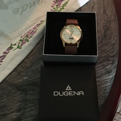 Uhr in Verpackung  - (Geld, Uhr)
