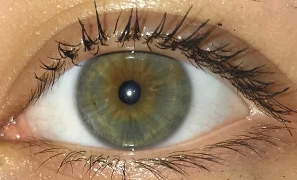 Was für eine Augenfarbe?