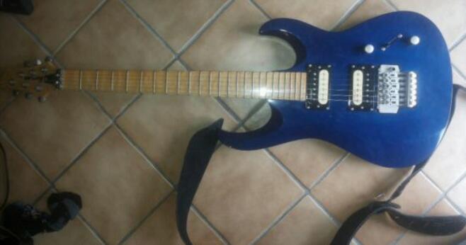 was f r eine e gitarre habe ich bekommen musik. Black Bedroom Furniture Sets. Home Design Ideas