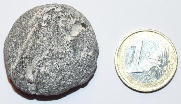 Stein von außen - (Steine, Ostsee, Geologie)