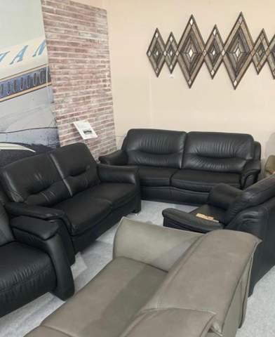 Was für Kissen würdet ihr für die schwarze sofas empfehlen?