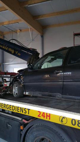 und das die Seite des Beifahrers - (Krankenhaus, Baum, gebrochen)