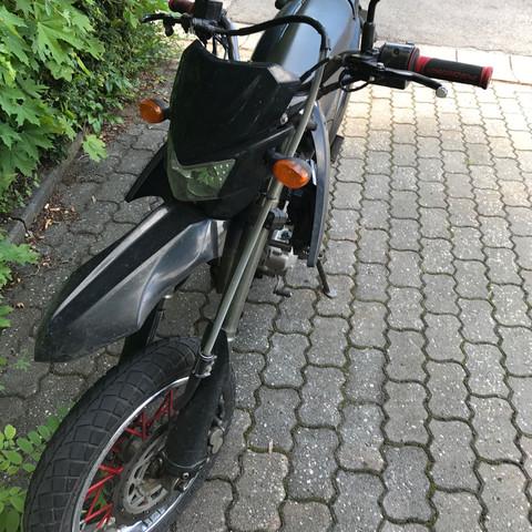Frontansicht - (Führerschein, Moped)