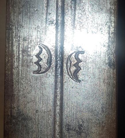 Halbwelten  - (Wert, Antiquitäten, Schwert)