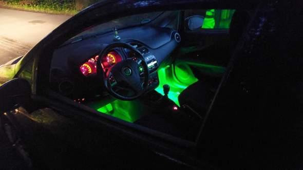 Was ist das für ein Auto, Beleuchtung im Fußraum?