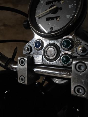 Was ist das für ein Belag auf dem Motorrad?