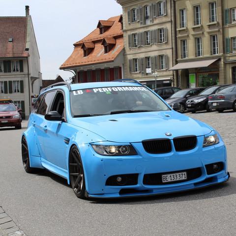 Was ist das für ein getunter BMW?