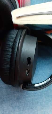 Was ist das für ein Loch bei den JBL Kopfhörern?
