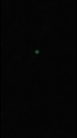 - (Erde, Nacht, Weltall)