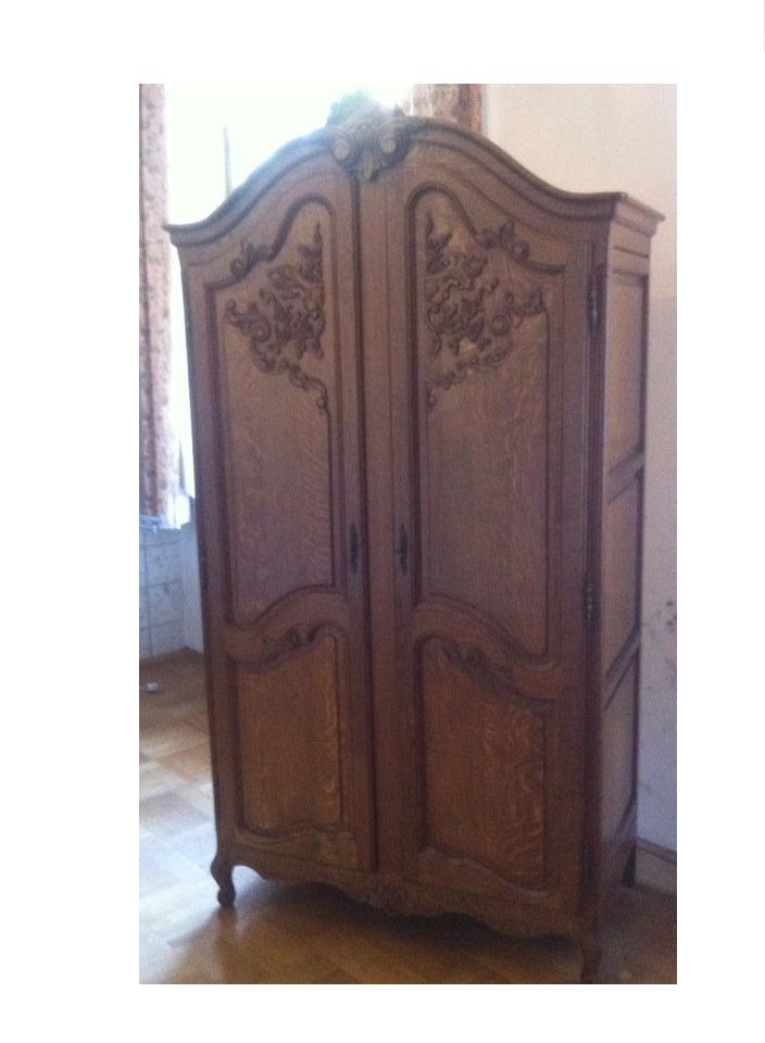 was ist das f r ein schrank und welche art und was ist er wert antik. Black Bedroom Furniture Sets. Home Design Ideas
