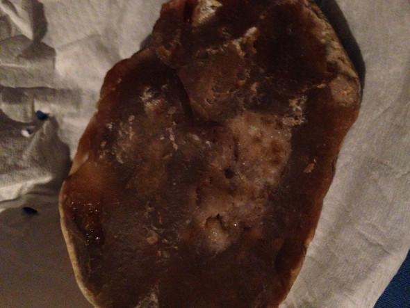 Hier die Vorderseite mit Kristallen  - (Geologie, steinkunde)