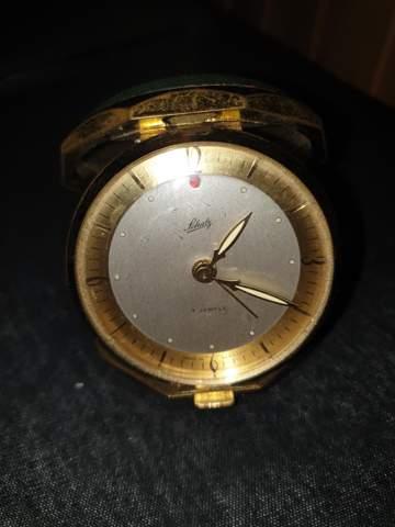 Was ist das für eine Schatz Uhr?