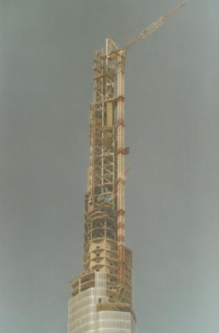 in schwindelerregender Höhe auf dem Burj Khalifa - (Baustelle, kran)