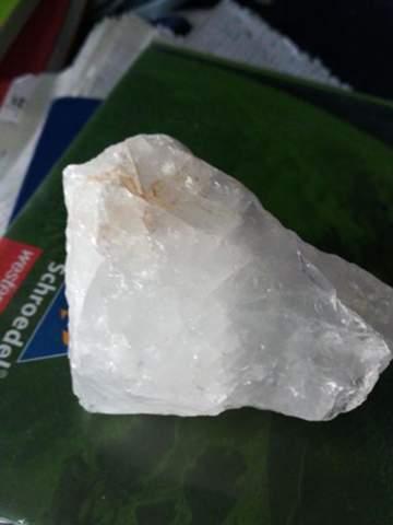 Was ist das genau für ein Stein/Kristall?
