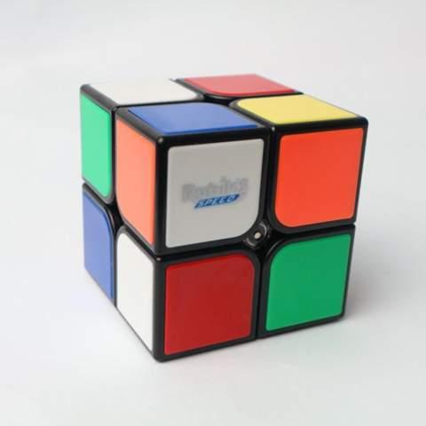- (Zauberwürfel, rubiks cube)