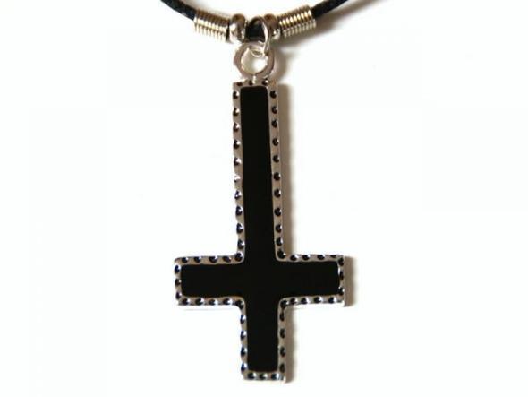 Umgedrehtes Kreuz - (Metal, Gothic, Satanismus)