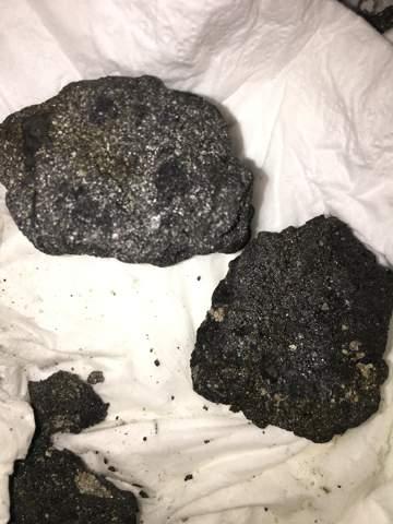 Was ist dies für ein Stein er hat auf den metalldetektor angeschlagen?