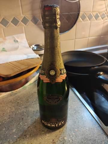 Was ist diese Champagner Flasche von Pommery & Greno wer?