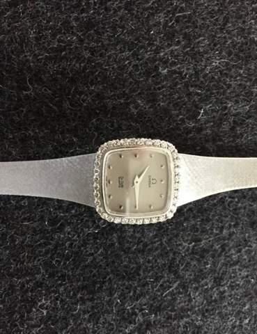 Was ist diese Uhr circa Wert?