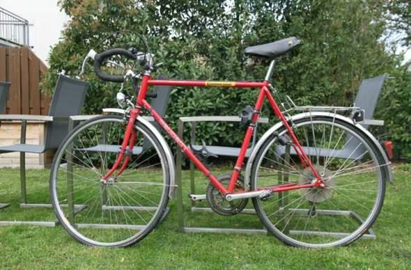 Was ist dieses Peugeot Rennrad heute noch Wert und um welches Model handelt es sich?