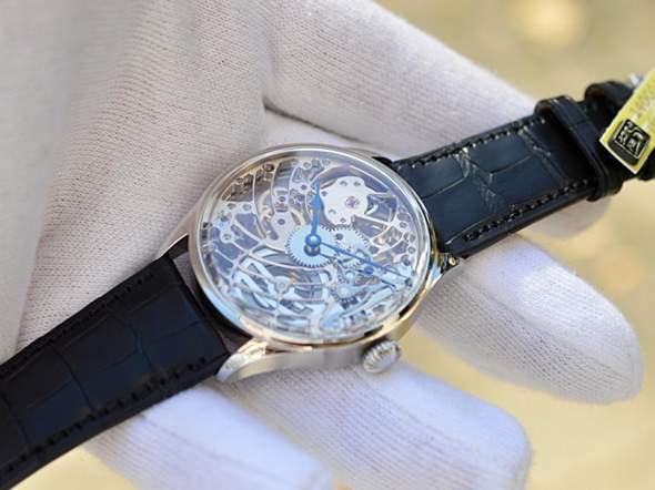 Was ist eure Meinung zu dieser Uhr (skelettuhr)?