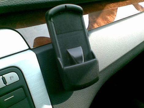 Was kann ich mit diesem Adapter machen? Für ein Handy ist dieser Adapter nicht? Ist aus einem VW Touran Bj. 2012 - was benötige ich hier konkret an Zubehör?
