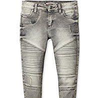 Was kann ich mit grauer Biker Jeans kombinieren?