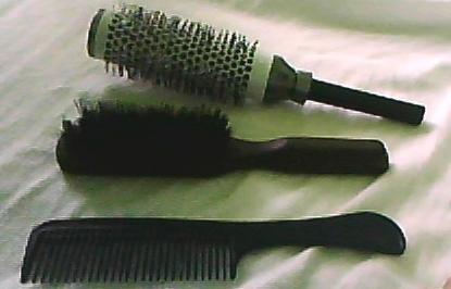 mein kamm und meine beiden bürsten  - (Haare, Beauty, Aussehen)