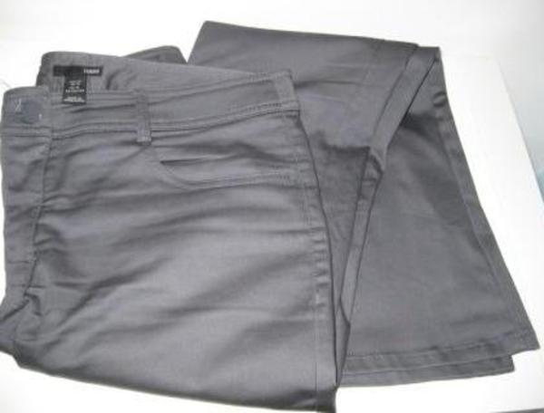 Was Kann Man Zu Einer Hell Grauen Hose Anziehen Farbe Klamotten