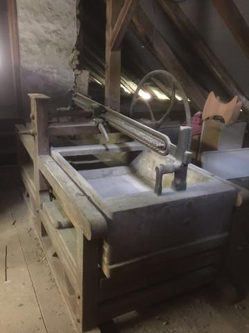Dachbodenfund - (Maschine, Antik)