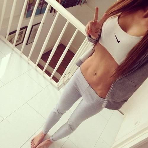 Nike Tan Sports Shoes