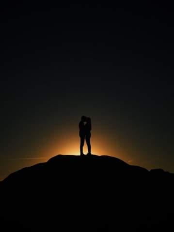 - (Liebe, Liebe und Beziehung, Beziehung)