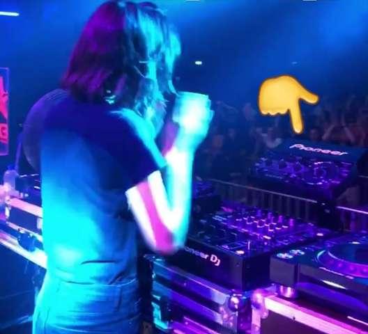 Was macht man mit diesem DJ Gerät?