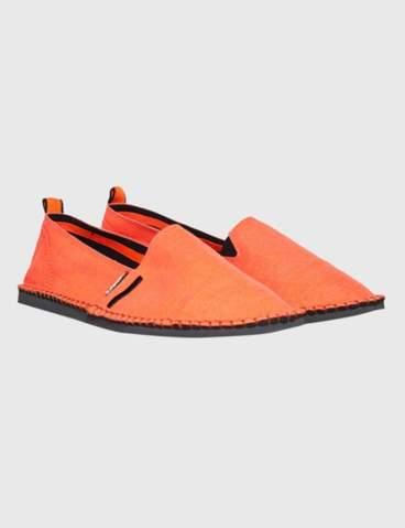 Was meint ihr jetzt wenn es wärmer wird die Schuhe espadrilles in der früh zur berufsschule, arbeit anziehen? Was werden die anderen denken sagen,sind die cool?