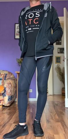 Was meint ihr sind Leggings/ Tights auch als Alltagskleidung tauglich für einen Mann?