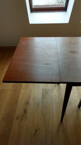 was muss ich bei der aufarbeitung eines teak holz tisches. Black Bedroom Furniture Sets. Home Design Ideas