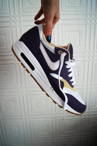 Nike Air Force Herren Angezogen