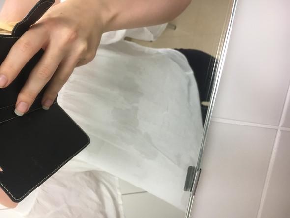 Weisse wasche nach dem waschen grau