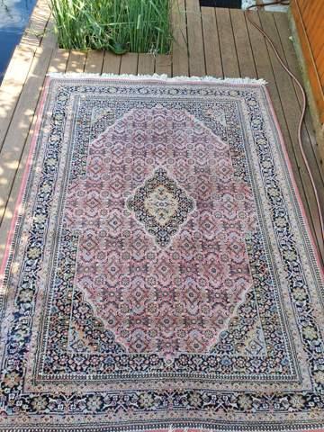 Was sind die Teppiche ungefähr wert?