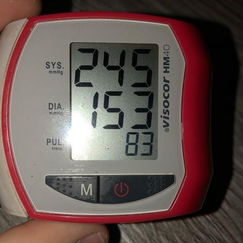 Was sollte man bei diesem Blutdruck machen? (Arzt, hoch)
